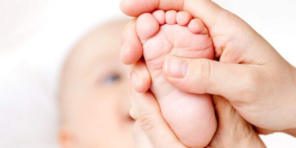 massaggio-neonatale-e1421753559218
